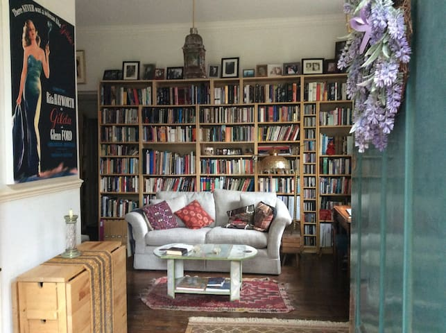 Romantic flat near central London zone 2