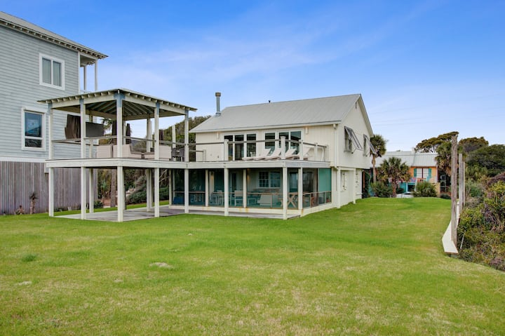 Watch the waves from this oceanfront home w/ gorgeous outdoor space!