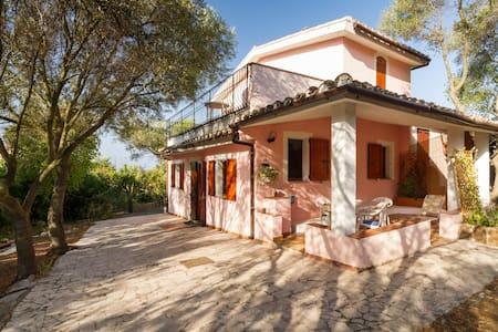 Incantevole Villa Capitana - Quartu Sant'Elena