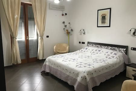 Spacious room in countryside villa - 3