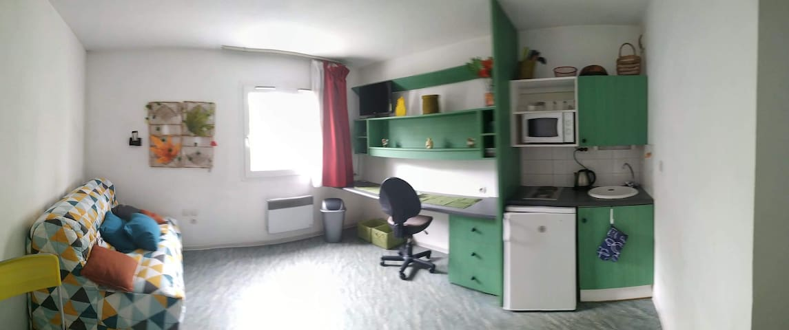 CHARMANT STUDIO DE 18M2 A NANCY - TOUT INCLUS