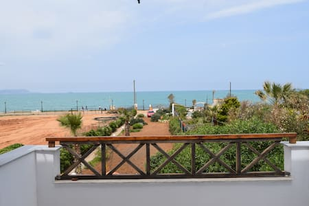 Maisonette in front of the sea in Analipsi
