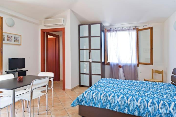 Nice Apartament Sardinia Olbia  - Olbia - Daire