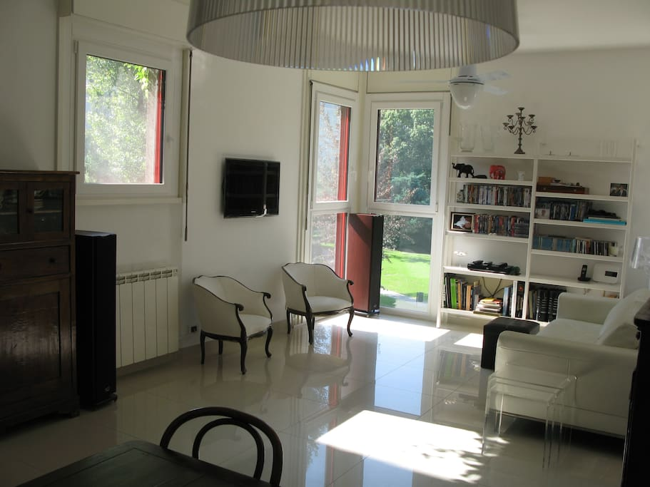 35 m2 living room - green view