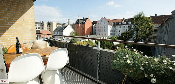Apartment in the heart of CPH - with sunny balcony