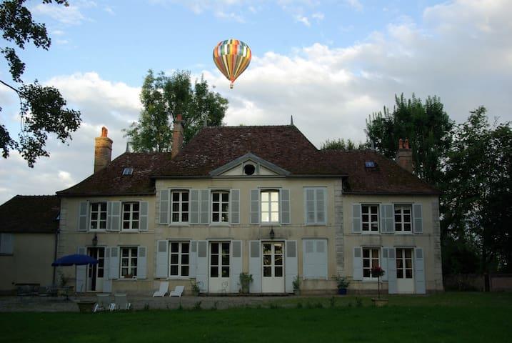 Un château en Champagne, à 2 h de Paris