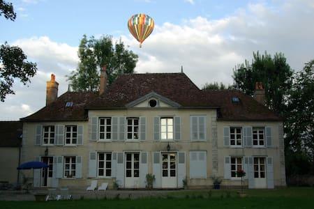 Un château au coeur de la Champagne - Géraudot