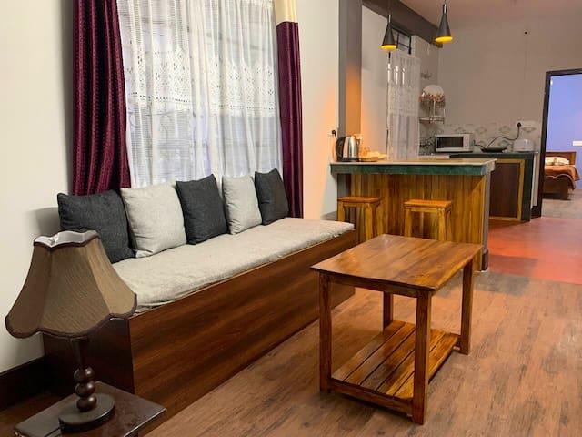 Queenie Hills Service Apartment