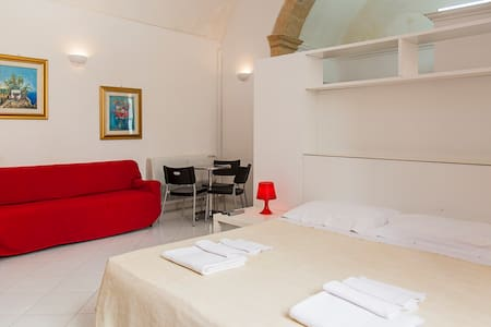 Lillo's Studio Old Town Center - Lecce - Apartamento