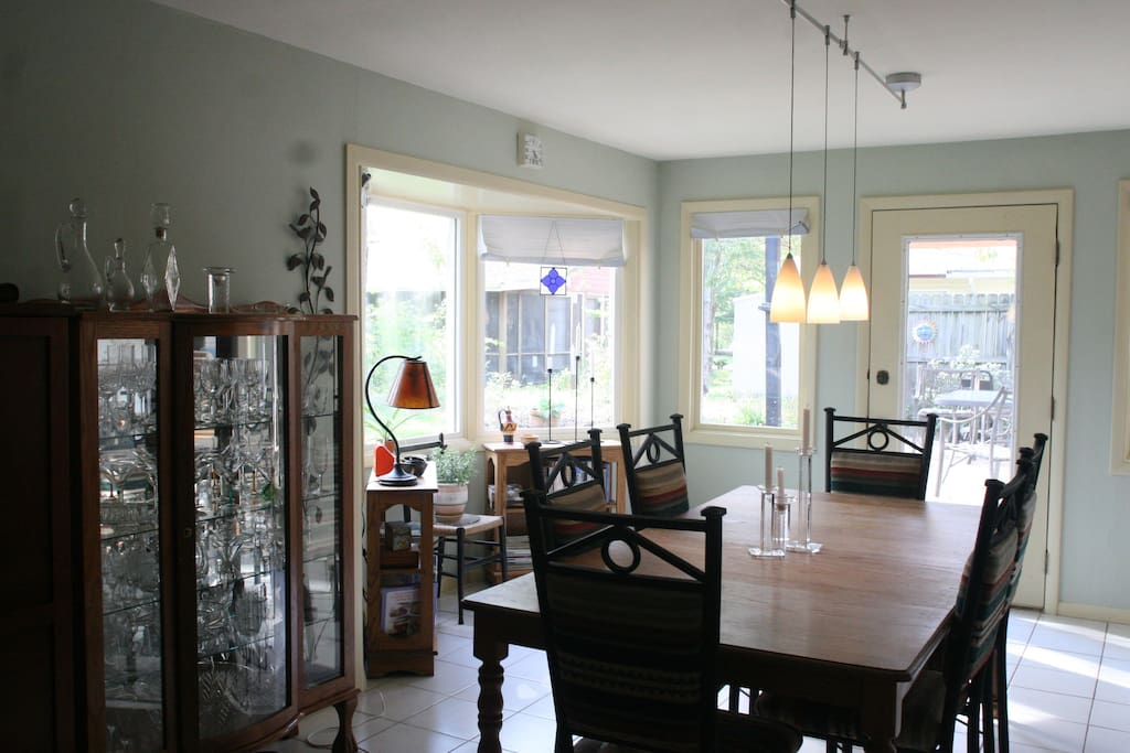 Dining room with exit to the outdoor patio.