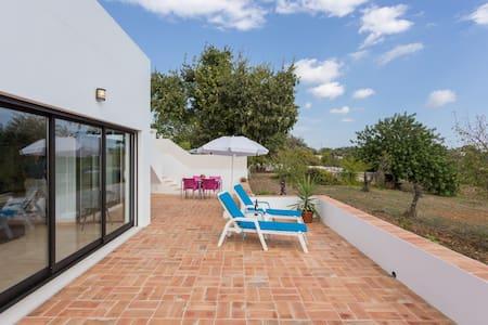 Algarve Modern Farmhouse - Santa Bárbara de Nexe - Дом