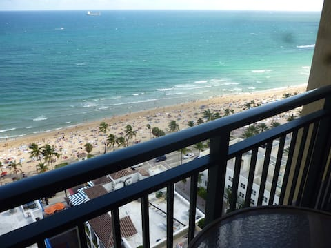MARRIOTT'S BEACHPLACE TOWERS 50% off GUEST ROOM