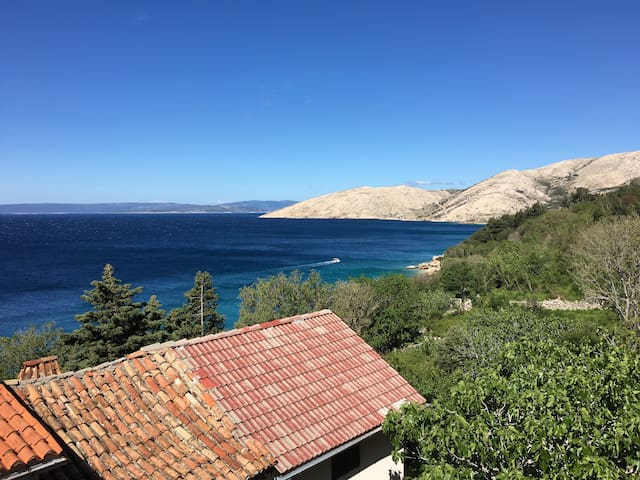 Apartment 50m from the beach; magnificent views - Stara Baška - Pis