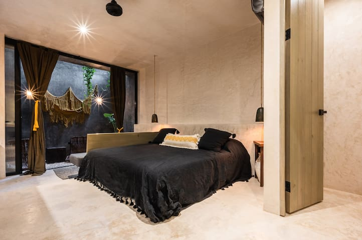 Open-concept studio residence