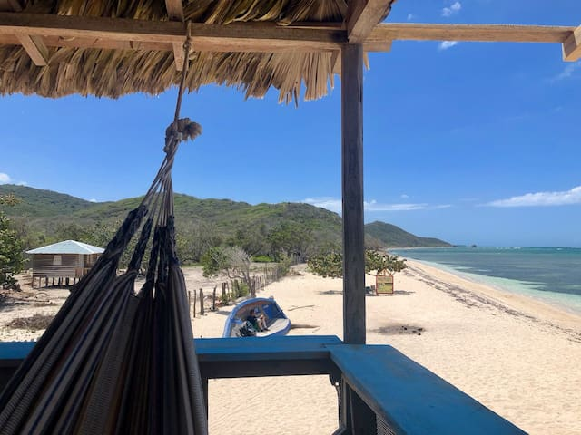 Mansion on the beach. 4m to sea, Kite Paradise