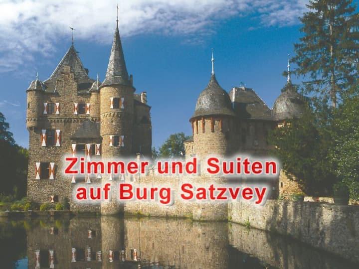 Satzvey Castle - Room 1