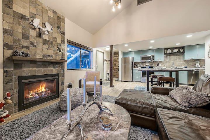Perfect Red Pine Condo w/Modern Lodge Decor - By PADZU