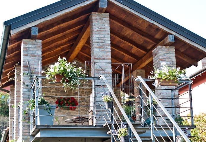 Stanza in villa colonica del 1300 - Savignano sul panaro