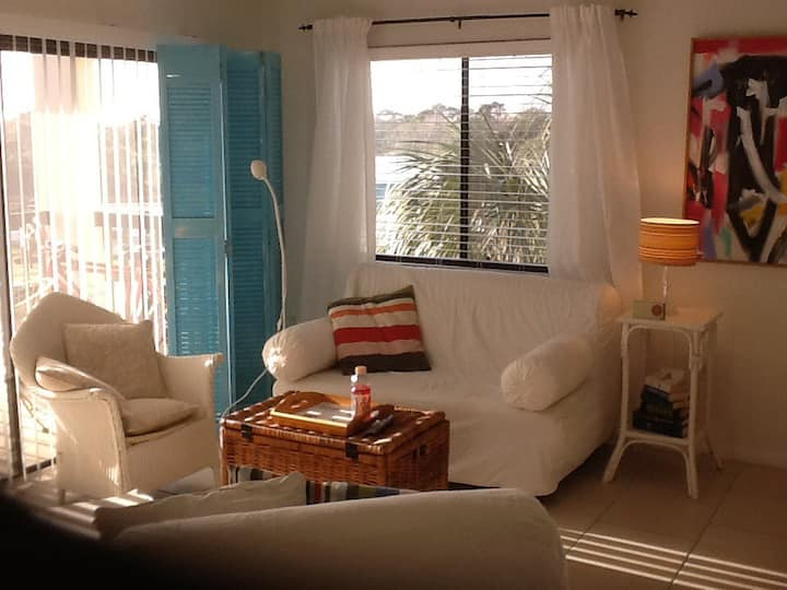 Shabby Chic Meets 50's Beach Place