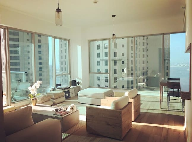 Sea view ! Walk to JBR beach! Marina Best Location