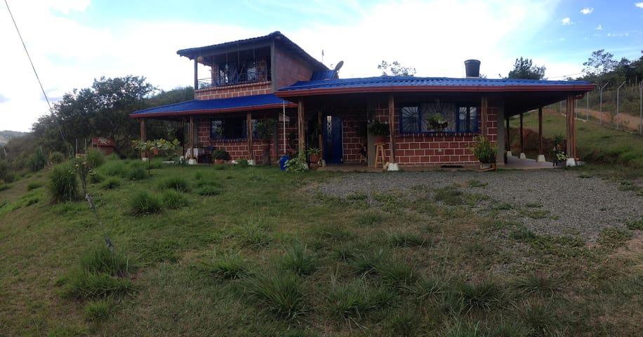 Casa Campestre Crisol - La Cumbre