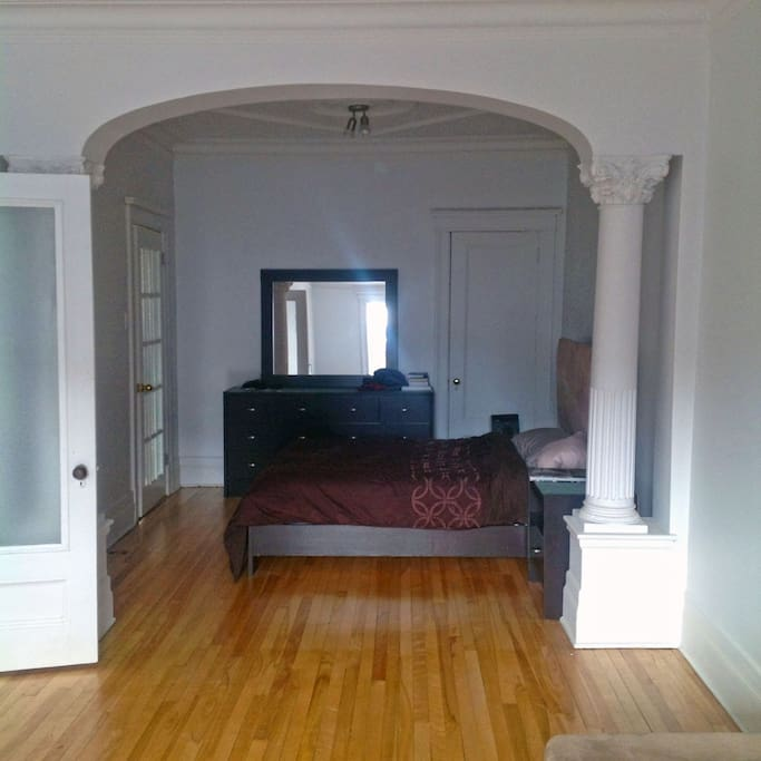 Double bed in a newly renovated appartement