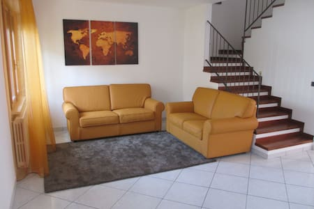 Holiday home wide and bright - Centinarola - Rumah