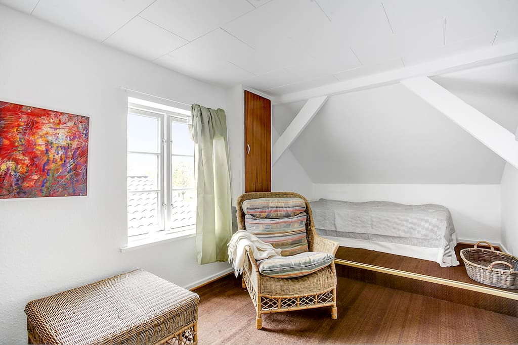 Single bedroom (with a roll-away it sleeps two)