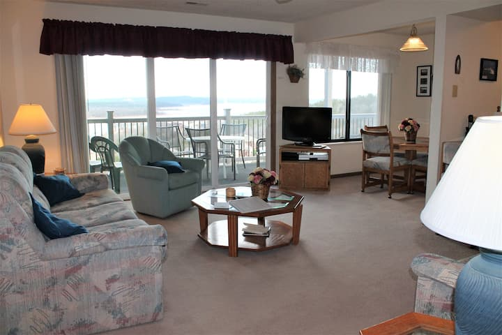 Classic! 2 bed 2 bath Condo- Boat Slip Included! Large Deck. Fantastic Lake Views- Close to SDC!