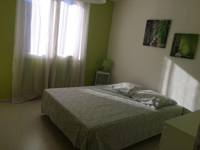 Appartement tout confort - Saint-Georges-de-Luzençon