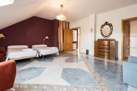 Escala Suites 4 beds oeste, Madrid - Madrid - Guesthouse