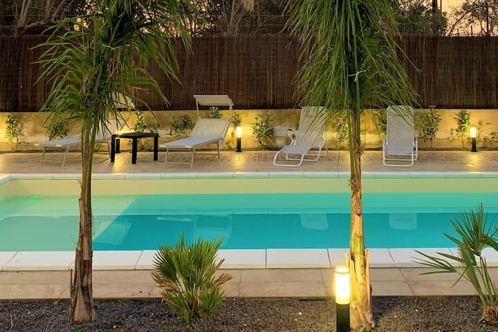 Micucco Relaxing House - Casa vacanze con piscina