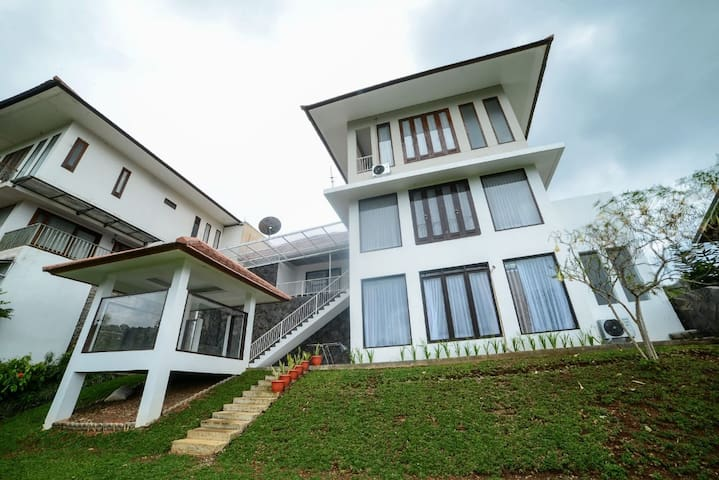 Villa Kencana, 5 BR, FAMILY ONLY, 6 Bed King Size