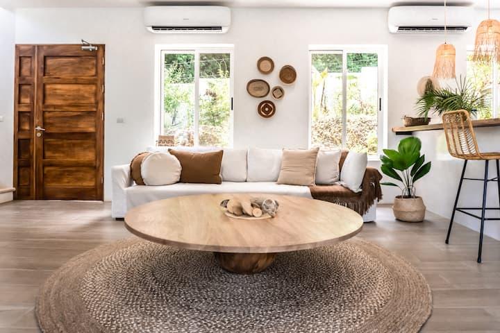 Casa Pura Vida: Amazing new Home with jungle and ocean views