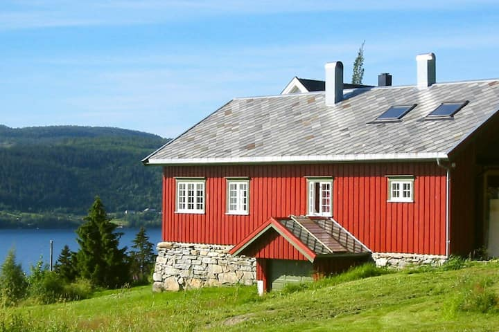 10 person holiday home in Follafoss