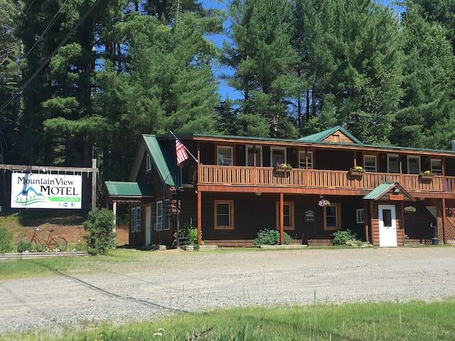 Mountain View Motel Studio Suite 1-4