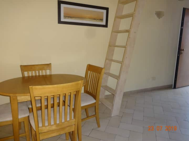 Arcade 2 bed apartment - Spacious apartment with street view