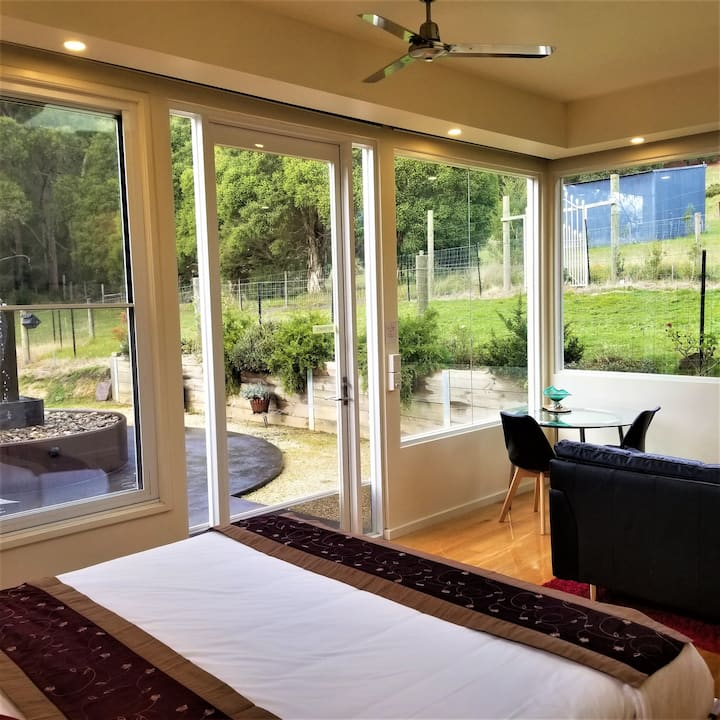 De Villa! King Bed/180 Views/Cosy/Romantic Getaway