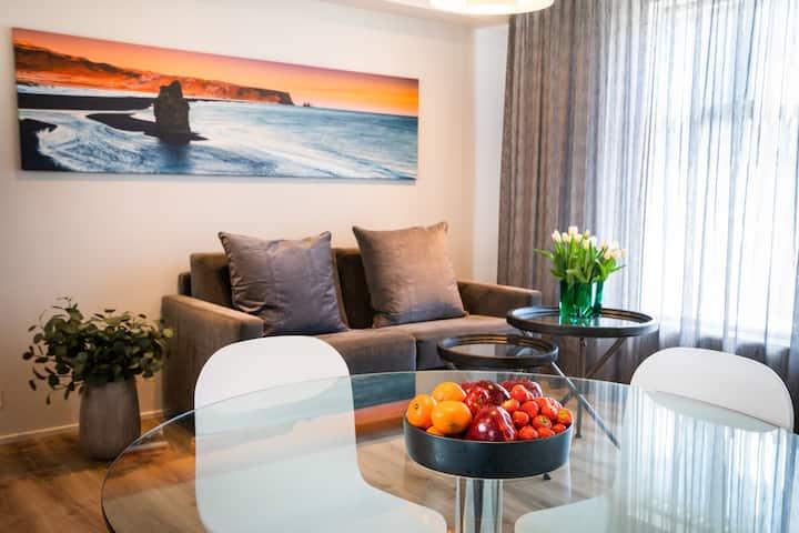 Keflavik Luxury Apartments - Black Beach suite