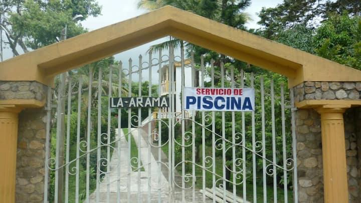 Espectacular Casa, a 12,5 Km de La Vega