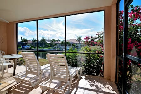 2 Bedroom 2 Bathroom Condo on the water. - Punta Gorda