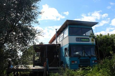 Omgebouwde Double Decker Bus - off-grid glamping