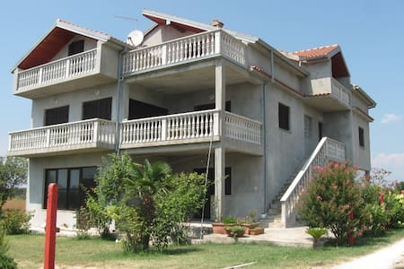 Country house - Zemunik Donji