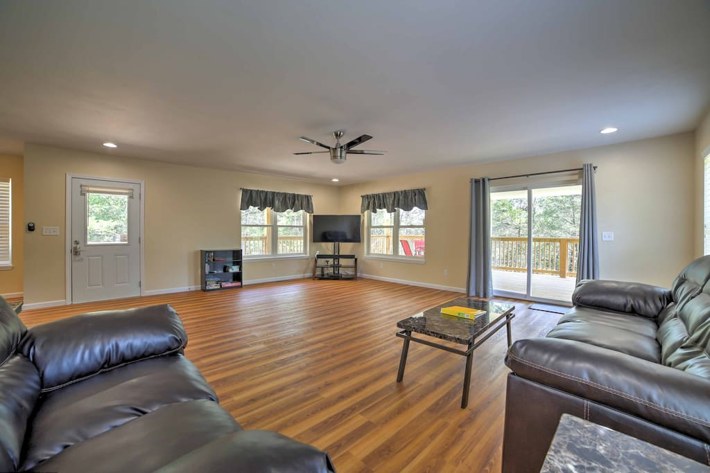 Inside the home, you'll find 1,600 square feet of well-appointed living space and sleeping accommodations for 8.