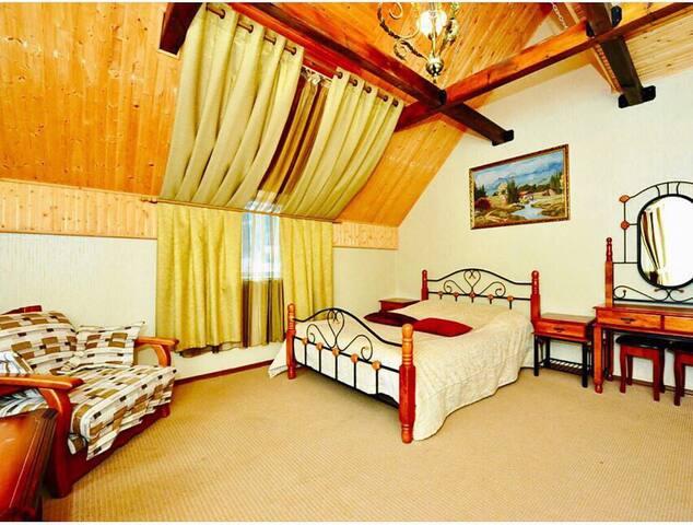 Уютный отель в центре п.Домбай