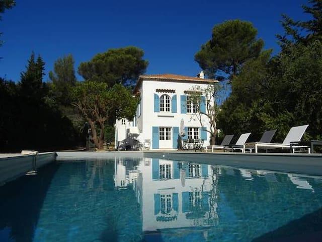 Villa Riviera : vue mer et piscine - Cavalaire-sur-Mer - Villa