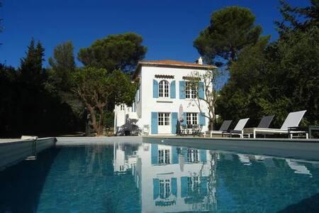 Villa Riviera : vue mer et piscine - Cavalaire-sur-Mer