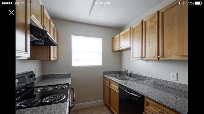 2 bedroom Slidell condo - Slidell - Apartment