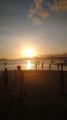 1 Lar próx.da praia, facul e shoppin compartilhdo