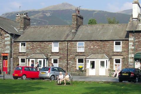 2 bedroom cottage central Grasmere with parking